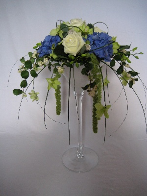 Cocktail glass arrangement