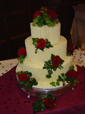 Cake decoration Roses and Hypericum