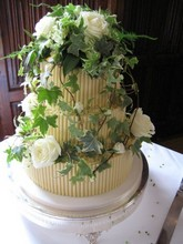 Cake decoration, Roses and Ivy