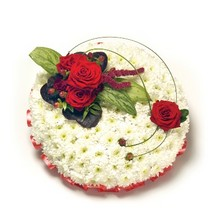 PP1 Chrysanthemum Based Posy Pad   Ribbon Edge